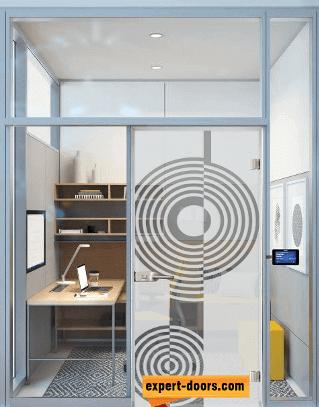 Стъклена интериорна врата за офис