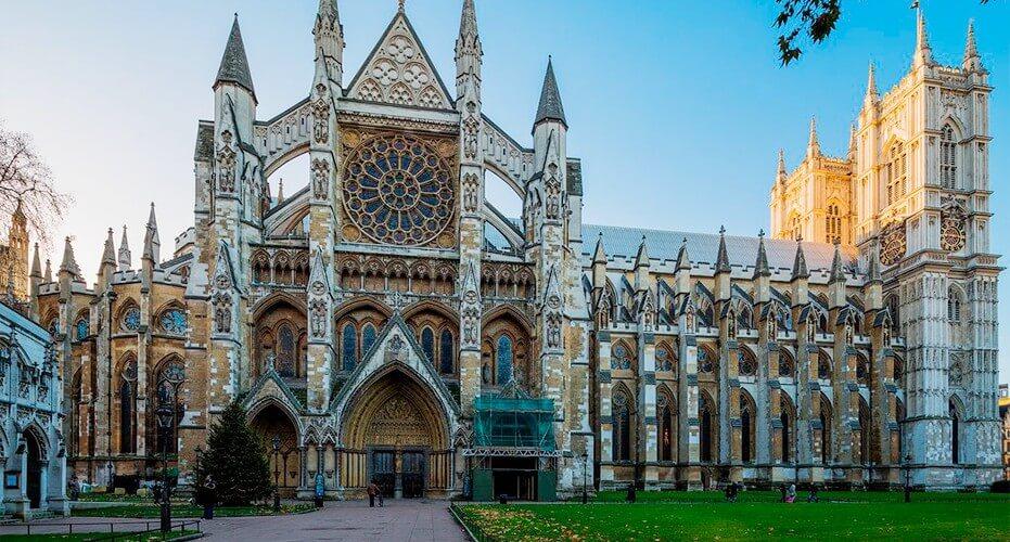 Най-стара врата в Уестминстърското абатство