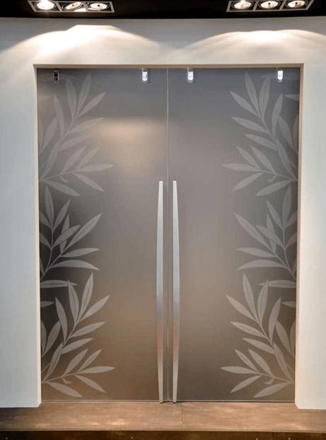 Стъклена портална врата