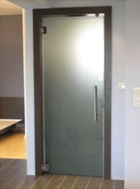 Стъклена врата за баня