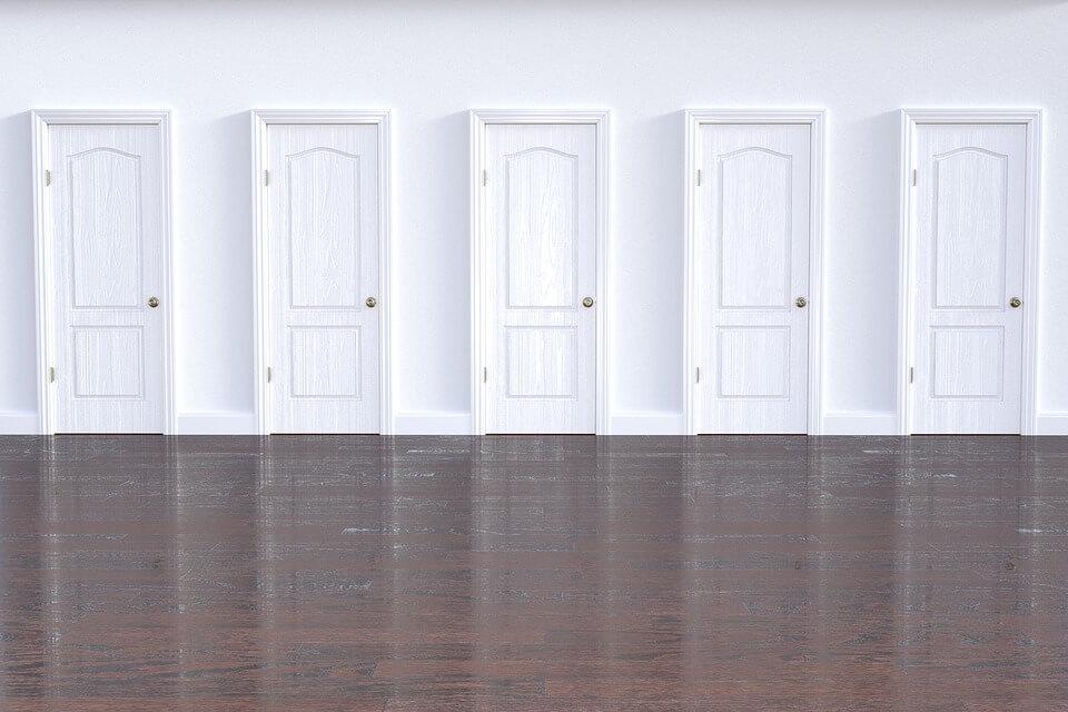 Бели интериорни врати