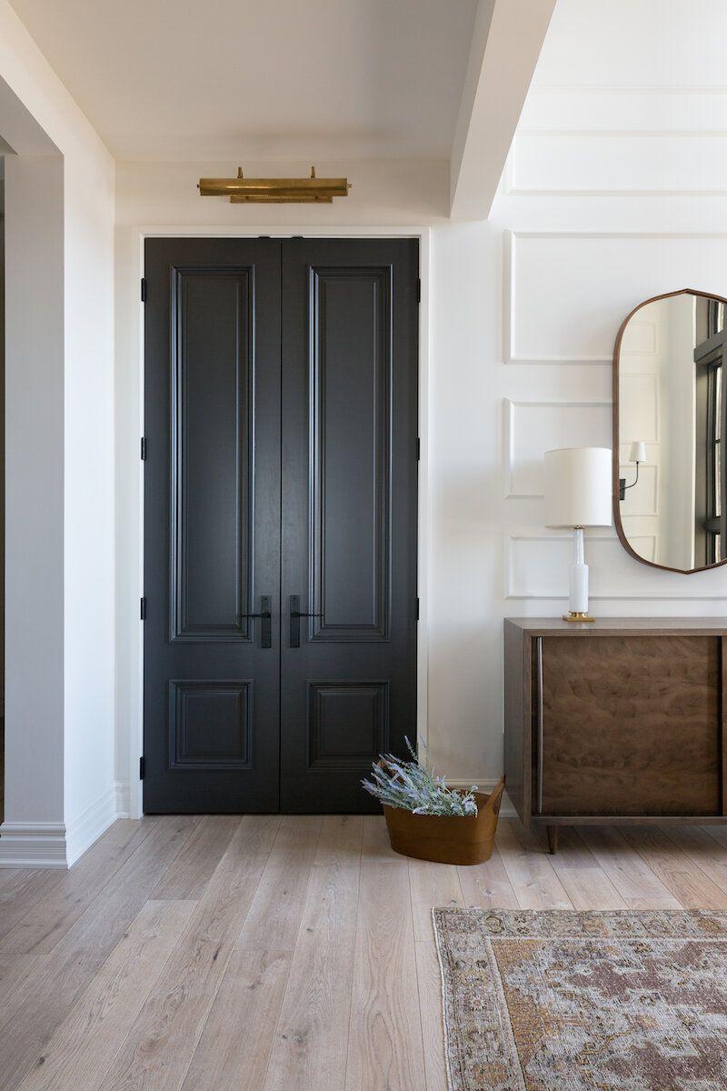 Висока двойна входна врата
