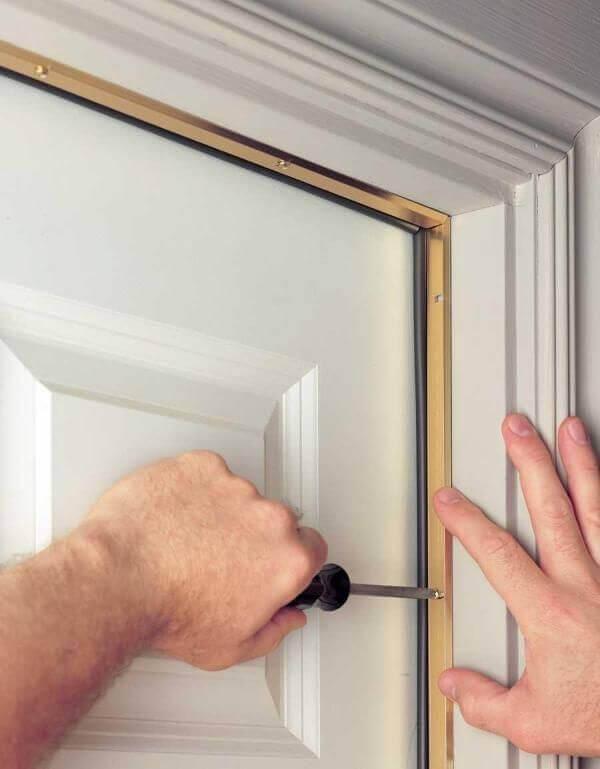 Монтиране на уплътнение към вратата